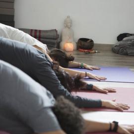 curso-profesor-yoga-sevilla